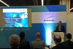 Dr. Ing. Alexander Lenk bei seinem Vortrag bei der Cloud Expo Europe in Frankfurt