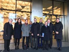 In Seoul besucht die Delegation die deutsche Botschaft.