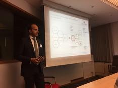 Dr. Alexander Lenk auf einem Workshop von DG GROW