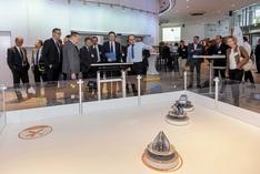 Das Projekt SMART FACE zeigt auf der Konferenz die dezentrale Produktionssteuerung für die Automobilindustrie