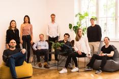 Das Bild zeigt das Team von Demodesk.
